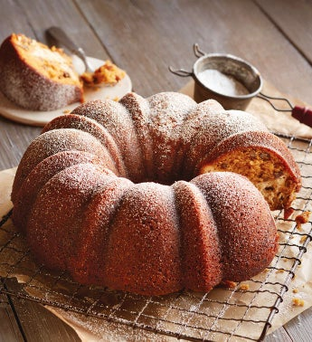 Pumpkin Bundt Cake with Maple Cheesecake Filling