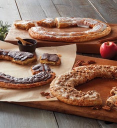 Kringle Wreath Trio